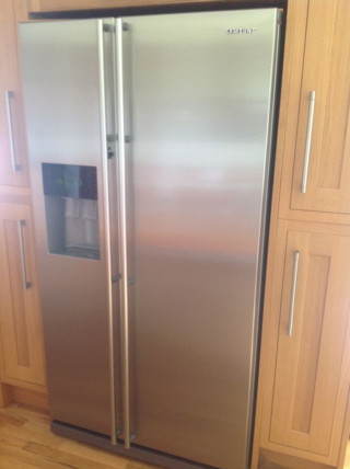 Samsung American Style Fridge Freezer Model RSH1DBRS